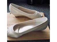 Brand New Wedding Shoes size 6.5 Ivory Satin.