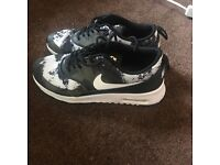 size 4 excellent condition airmax thea