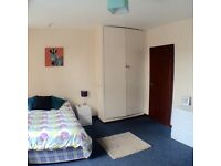 Attic room to rent - top floor, double, £340pm inc all bills! No deposit!!!