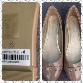 Beige court shoes, size 6 from Roman.Worn for a party only. Cost £18.00