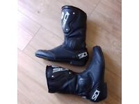 Motorcycle Boots by Sidi in Size 9 in Super Condition - Hardly Used
