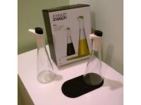 Joseph Joseph Flo - Oil Drizzler and Vinegar Set (Black)