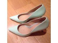NEW Daniel Pale Mint Heels (Size 6)