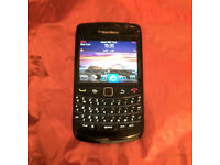 Unlocked Black BlackBerry Bold 9780 Touch Bold Mobile Phone that Works On Three!