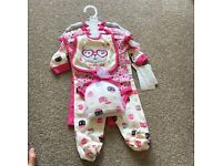 Baby girl gift set 0-3 months