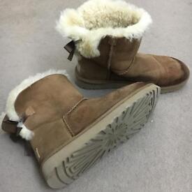 Low brown boots UGG ORIGINAL