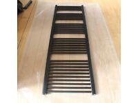 Black Flat 1600 x 500 mm Radiator Towel Rail Towel Warmer - 5 Section / 32 bar