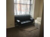 2 bedroom ground floor flat close to city centre
