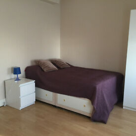 005W-HAMMERSMITH- MODERN DOUBLE STUDIO FLAT, FURNISHED, BILLS INCLUDED - £275 WEEK