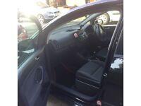 VW Golf5 Plus 1.9TDI 5 door, black metalic
