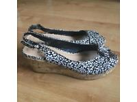 New look size 4 wedges