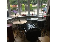 Superb condition tama rockstar drum kit Selling with zildjen zxt cymbals