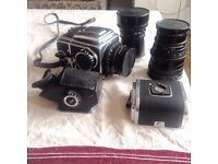 Hasselblad 500 C/M set (3 lenses, 2 magazines, 1 pentaprism)
