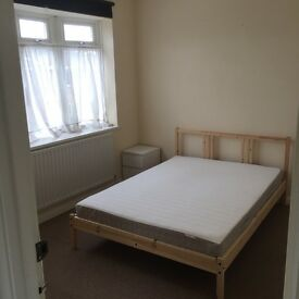 Clean double room in nice house
