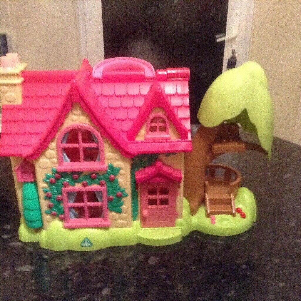 Happy land country cottage with furniture and figures