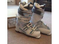 Women's ski boots, Salomon Quest 55, unworn