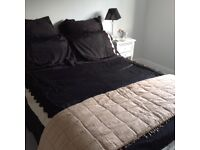 Laura Ashley large gold bed quilt
