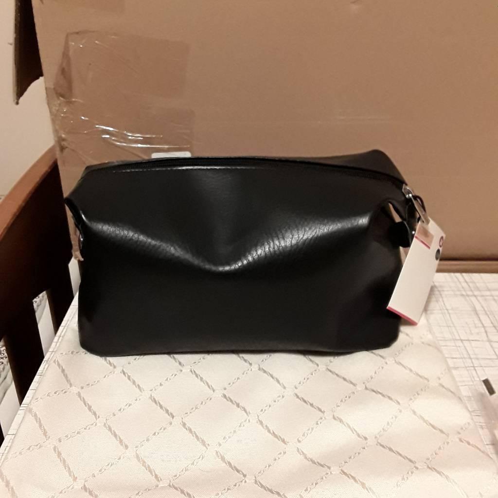Man's wash bag black M&S