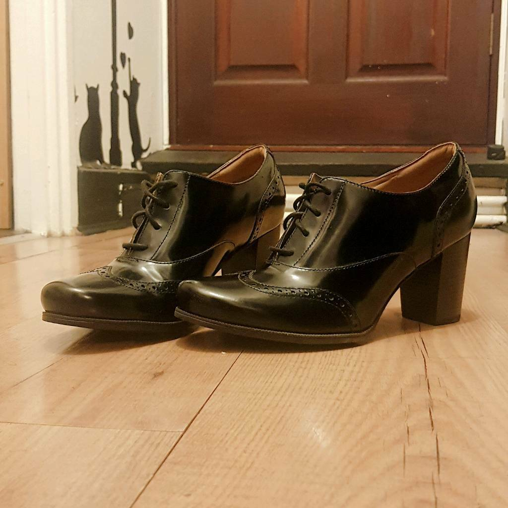 1dd7226a70fd Clarks shoes