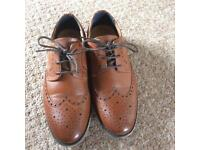 Brogues size 5
