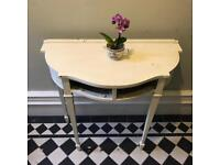 Pretty Wooden Side / Console Table - White
