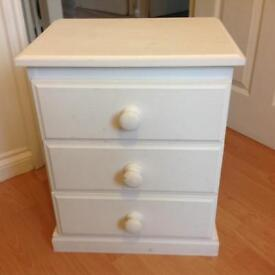 Bedside draws in very good condition.