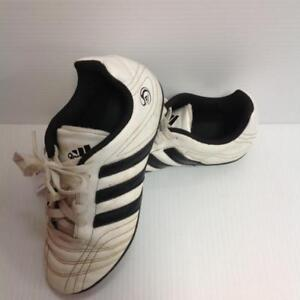 Adidas Soccer cleats youth sz 3.5 (XJTUQE)