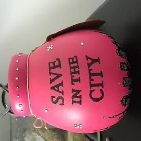 Pink new york money pot/piggy bank