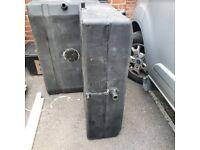 2 water tanks £20