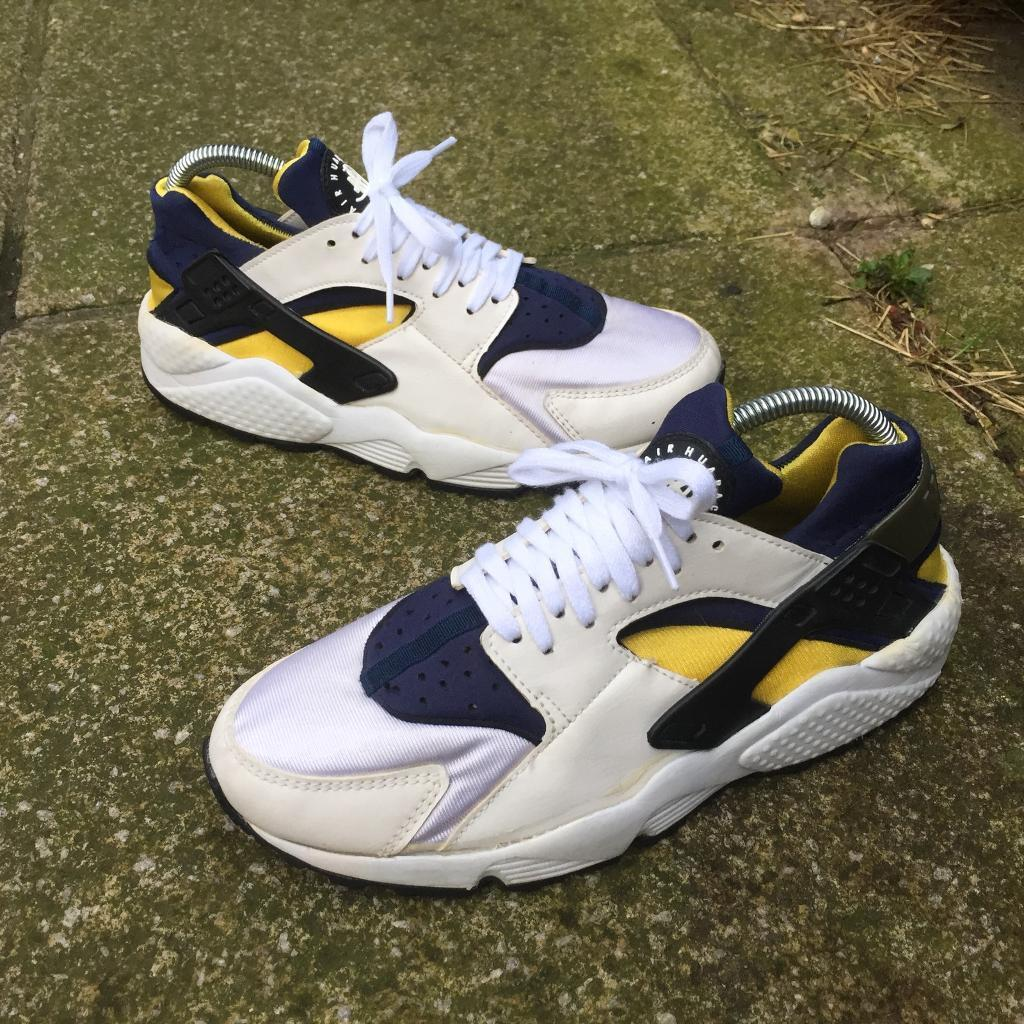 2614481a3467 Nike air huaraches trainers size 6.5