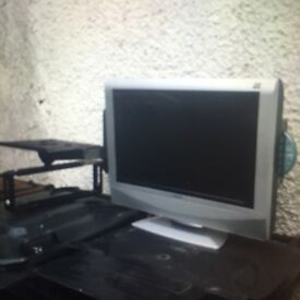 """LCD TV With Integrated DVD Player 19"""" HD £45"""