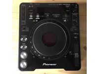 2x Pioneer CDJ1000 Mk3 CD Mixing Decks