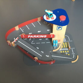 ELC Car Park with working lift and accessories