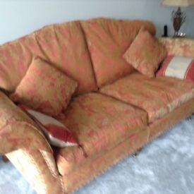 Duresta sofa Terrocotta in colour