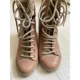 AUTHENTIC CHLOE BOOTS -SIZE 39 MUST GO TODAY!! OFFERS WELCOME!