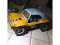 CHILDS TOY BATTERY DRIVEN CAR.