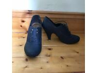 Navy Shoe-Boots Size 4