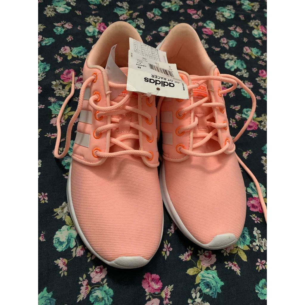 Adidas Womens trainers. Size 4,5 | in