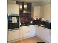 1 Bed room, All bills includes in a shared 2 bed apartment, close to all amenities public transport