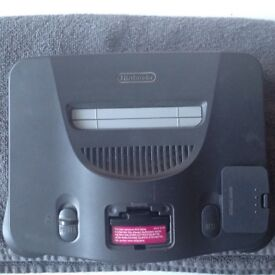 Nintendo 64 all leads I controller 7 games & rumble pak all in very good condition