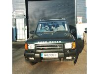 Landrover Discovery 2 with 12 months MOT, body work and paint is in very good condition.