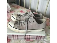Women's Grey Suede Converse - Size 7