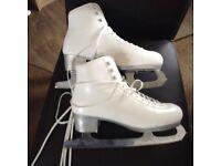 Ladies/girls Italia ice skates as new size 5