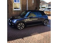 Mini Cooper S Convertible (sidewalk)