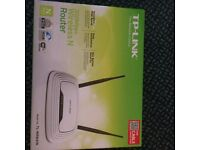 TP-Link 300 Mbps Wireless N Cable Router, Easy Setup, WPS Button, UK Plug (TL-WR841N)
