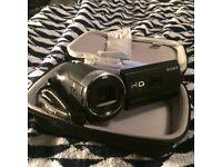 Sony HDR-PJ440 Handycam w/ built in projector & 64g Memory card.