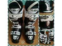 2014 Women's Atomic Hawx 90 ski boots.