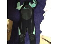 Girls Osprey wetsuit suit aged 8-10years