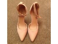 HIGH HEEL SHOES SIZE 6 - COMPLETELY BRAND NEW AND BOXED