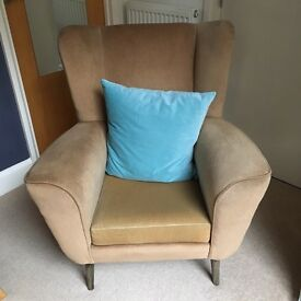 Armchair for upcycling £100 Ono